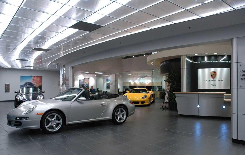 Rocklin, CA. – Niello Porsche